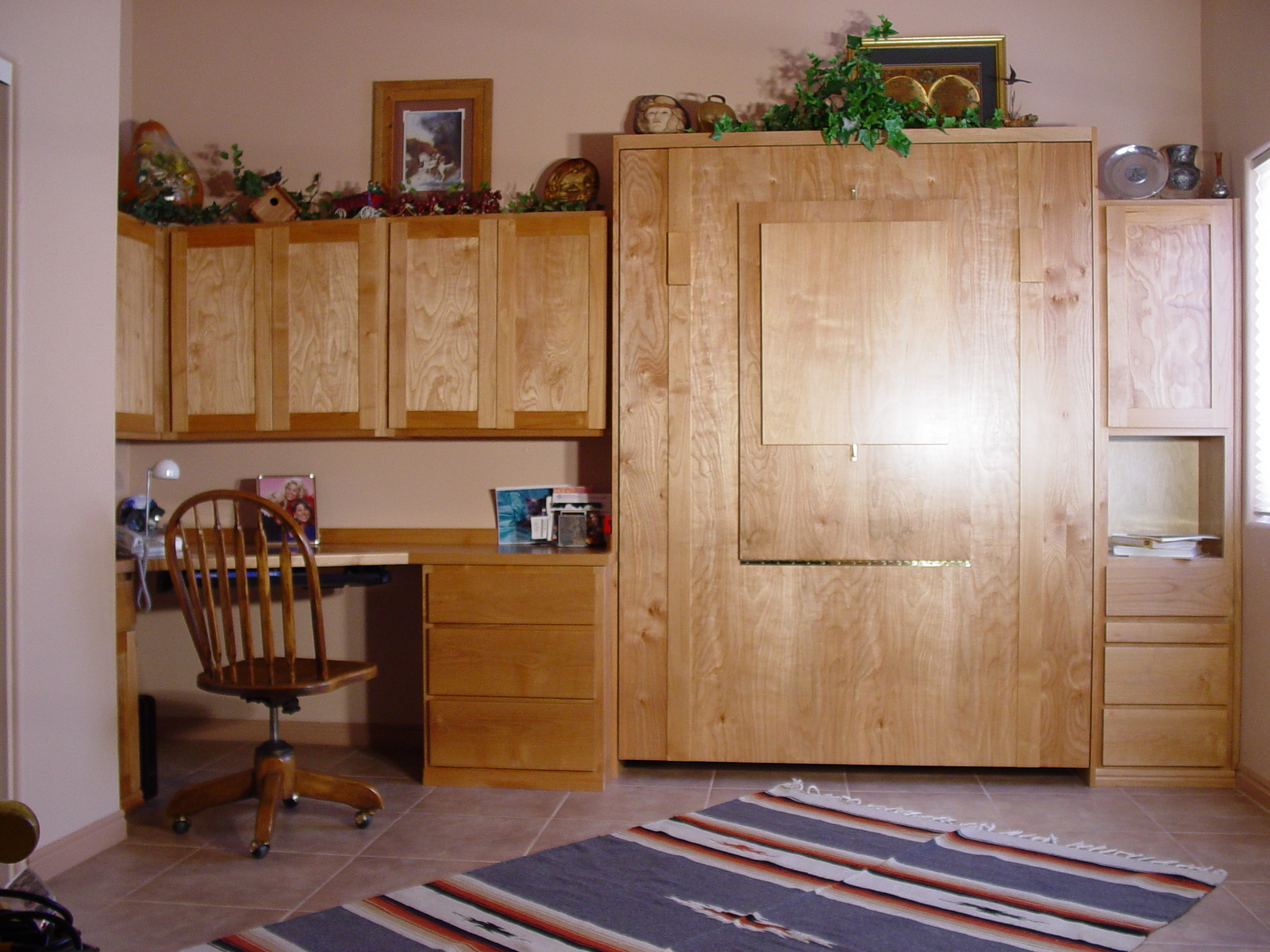 Chalet style Wallbed Home Office