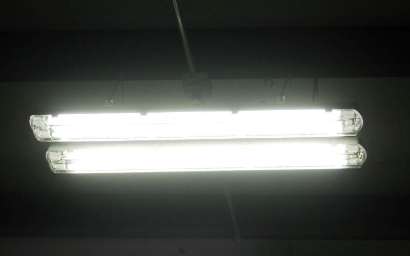 Energy-saving shop lighting