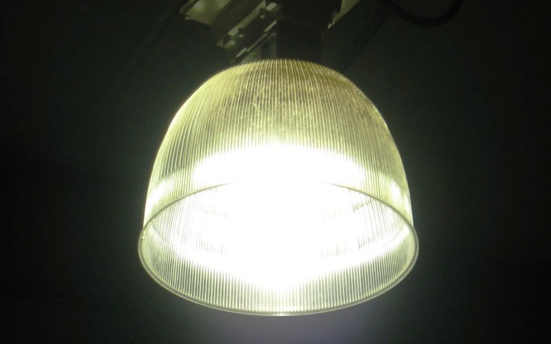 Low efficient, high power consumption lighting